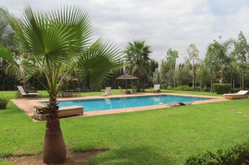 Beautiful 5 bedrooms villa for rent  at road to fes